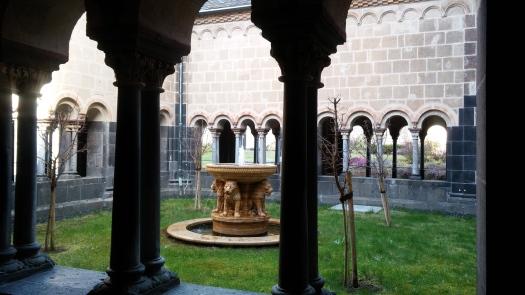 10 Kloster Maria Laache