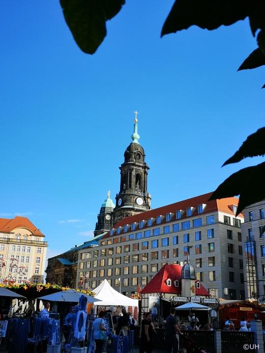 Altmarkt mit Kreuzkirche im Hintergrund