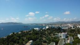 Blick von der Festungsmauer auf Eivissa