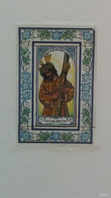 Mosaik auf dem Weg zur Kathedrale in Santa Eulalia