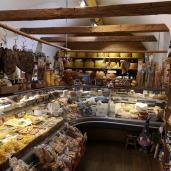 Käse- und Schinkenladen